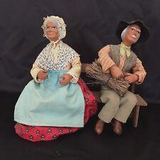 Couple De Vieux Santons Assis Sur Un Banc/ Couple old santons sitting on bench
