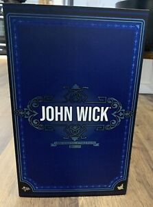 Hot Toys John Wick 1/6 Collectible Figure