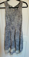 DOE + RAE dress XS extra small blue white lace hi-low floral paisley knee length