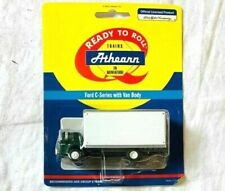 Athearn HO Scale 1/87 Ford C-Series Green cab with white van body #02744