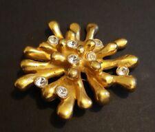Belle grosse broche vintage couture  anémone métal doré signée Christian Lacroix
