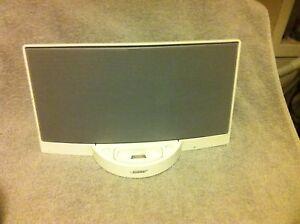 BOSE  SOUND DOCK DIGITAL MUSIC SYSTEM----4 / 4S---iPOD DOCKING----VGC