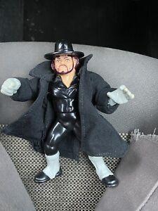 Wwf Hasbro Undertaker Series 8 With Orginial Cloak