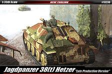 Academy Vehicle 1/35 Scale Plastic Model Kit Jagdpanzer 38[T] Hetzer Tank #13230
