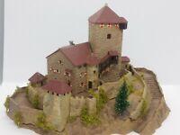 Burg Branzoll sehr schön gealtert BELEUCHTET Spur N D0572