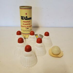 Vintage Wilson Trophy Plastic Shuttlecocks Tin ( T 8906 ) With 4 Pieces
