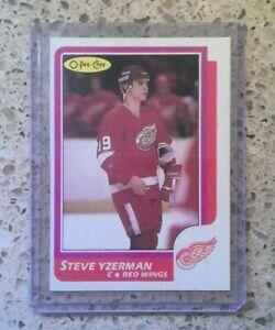 1986-87 O-Pee-Chee Steve Yzerman #11 VERY GOOD CONDITION