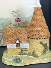 David Winter Cottages The Regions Collection - Single Oast - 1981 Box Coa