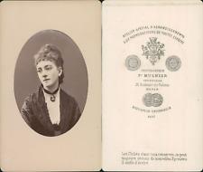 Mulnier, Paris, jeune femme au médaillon CDV vintage albumen Tirage albuminé