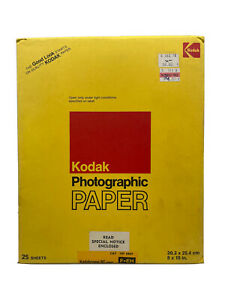 """Vintage Kodak Photographic Paper Kodabrome RC F.EH 25 Sheets 8X10"""" Expired 79"""