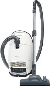 Miele Complete C3 Silence Bodenstaubsauger mit Beutel / 550 Watt / 4,5 l...