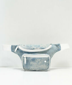 NWT Bumbag Dazed Deluxe Acid Blue Canvas Fanny Pack