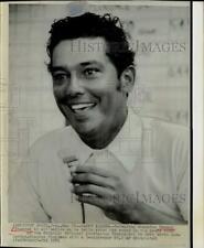 1971 Press Photo Golfer Homero Blancas talks to press about tournament in Texas
