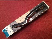 NOS GM 71 72 OLDSMOBILE CUSTOM CRUISER RH LH FENDER REAR MOULDINGS OEM 231192-4