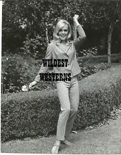 SHIRLEY EATON sexy busty VINTAGE ORIGINAL rare candid PRIVATE PHOTO