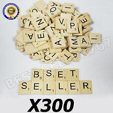 300 Legno Piastrelle Scarabeo in legno nero numeri lettere Board artigianato Regno Unito NUOVO