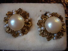 TRES BELLE BOUCLES D'OREILLES PERLES  VINTAGE 50 NEUF/OLD NEW PEARL EARRINGS