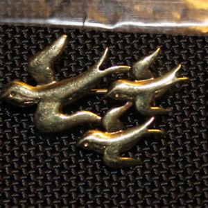 Brosche  Motiv: Vogel Schwarm aus 333 er Gold gestempelt (Nr.344) NEU