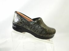 Dansko Size 8.5 M Green Leather Patent Slip On Casual Clogs Shoes For Women