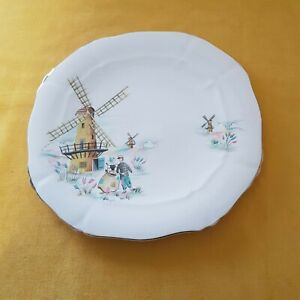 Very Pretty Vintage Alfred Meakin Plate in the Old Dutch Mill Design