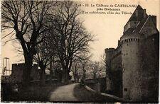 CPA  Le Cháteau de Castelnau prés Bretenoux -Vue exterieure,allée des (223266)