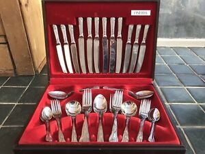 Oneida Cutlery Set Stainless Steel 42 Piece Plus 4 Forks in Original Fitted Case