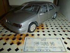 AMT 1989 Ford Taurus SHO SILVER TITANIUM METALLIC 1/25 PROMO Model Car Mountain