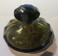 Bouteille à parfum brune avec bouchon