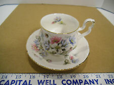 Royal Albert English Bone China Sonnet Series Byron Tea Cup & Saucer Set - EUC
