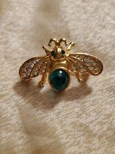Bee pin brooch