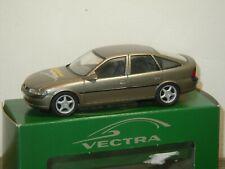 Opel Vectra 5 Million en Opel Motoren Kaislautern - Schuco 1:43 in Box *38291