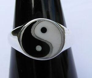 Sterling  Silver  (925)   Ying  Yang  Ring   !!       Brand  New  !!