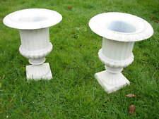 vasque de style richelieux en fonte patinée blanche points de rouille ,