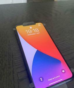 iPhone Max 11 Pro - 512GB - Verde noche (Libre) A2218 (CDMA + GSM)
