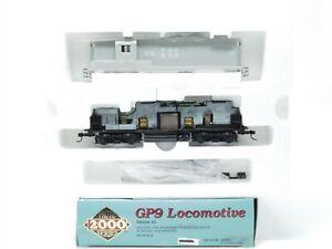 HO Scale Proto 2000 21749 Undecorated EMD GP9 Diesel Loco No# - BAD GEARS