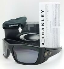 NEW Oakley Sunglasses Fuel Cell Matte Black Grey Polarized 9096-05 AUTHENTIC