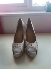 Ladies high heel shoes size 8