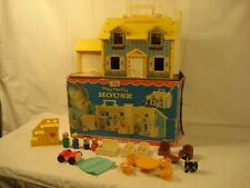 """1969 FISHER PRICE PLAY FAMILY HOUSE #952 WITH BOX & ACCESSORIES """"LOOK"""""""
