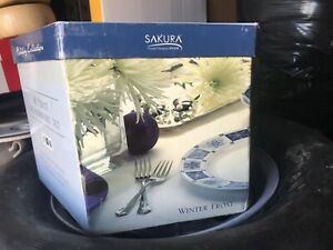"NEW!!! SAKURA CASUAL DINING By ONEIDA HOLIDAY COLLECTION 16 PIECES ""WINTER FROST"