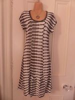 Really lovely Made in Italy size 46 (UK 14) grey and white thin knit lined dress