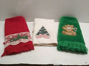 """Christmas vintage look hand towels & cloth Tree Bear  """"Christmas"""" green red pink"""