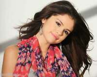 Selena Gomez 8x10 Photo 037