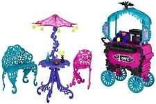 Monster High Scaris City of Frights Cafe Cart with Table with Umbrella NEW