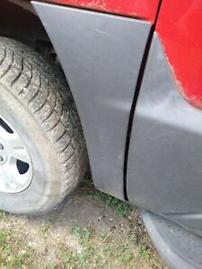 Chevrolet Avalanche Body Trim Cladding left fender LH 2003