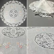 Vinyl Lace Placemats Four Plastic White Floral 4 Round Set Christmas Gift