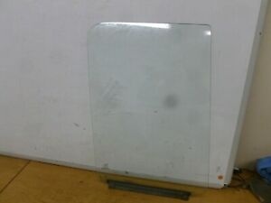 FORD TRANSIT 350 LUTON BOX VAN 2004 O/S DRIVER SIDE FRONT WINDOW GLASS