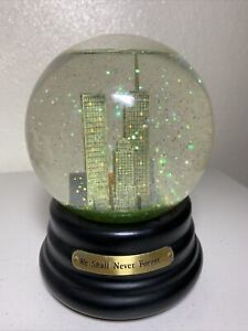 """""""We Shall Never Forget..."""" Twin Towers Snow Globe Simson Giftware"""