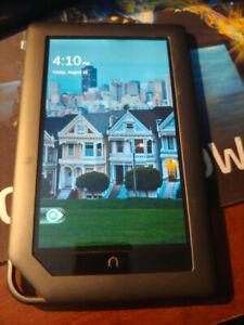 Barnes & Noble Nook Color 8GB, Wi-Fi 7 inch BNRV200 Tablet eBook eReader ONLY