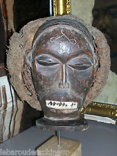 old African mask. ancien Masque africain Tchokwe ancienne collection Française
