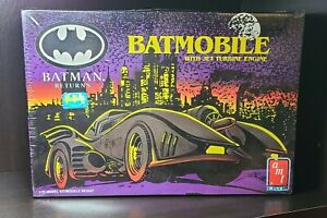 BATMAN RETURNS BATMOBILE WITH JET TURBINE ENGINE MODEL KIT